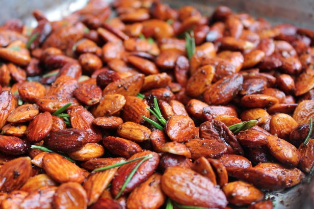 Roast almonds